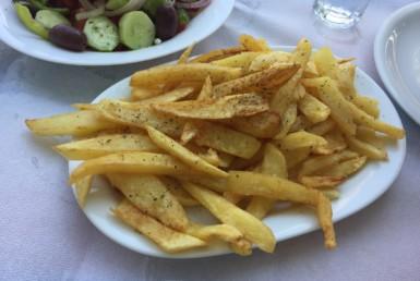 Πατάτες τηγανητές στο Περιγιάλι στη Ναύπακτο