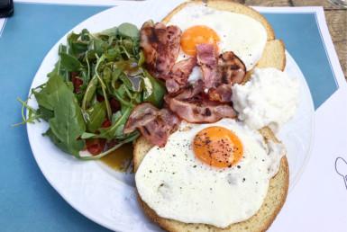Πρωινό με Αβγά Τηγανητά στο Big Spoon στην Αγία Παρασκευή
