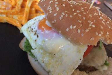 Burger στο Dapper's στη Νέα Φιλαδέλφεια