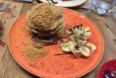 Pancakes με Merenda, μπισκότο και μπανάνα στο Rey Pablo στο Μαρούσι